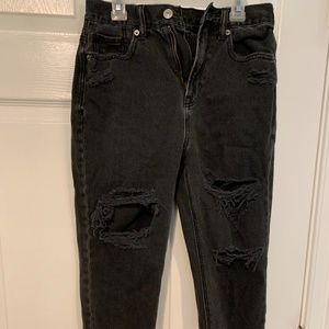 AMERICAN EAGLE DISTRESSED BLACK JEANS SIZE 2
